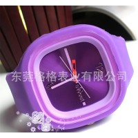 **方形糖果色防水果冻手表 欧美学生专用 果冻手表